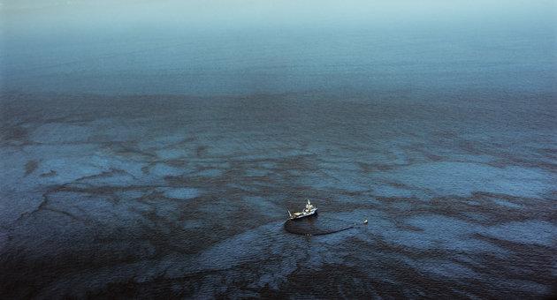 Μεγάλοι πληθυσμοί πετρελαιοφάγων βακτηρίων ανακαλύφθηκαν στην Τάφρο των Μαριανών
